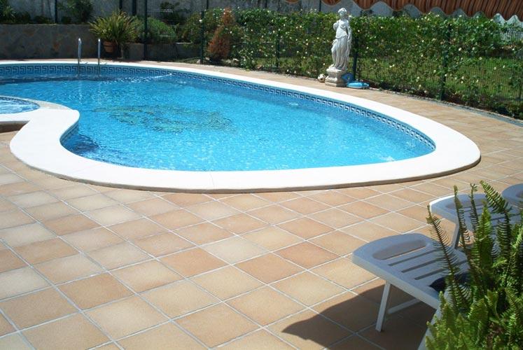 Julipool sl galeria piscinas 61 piscinas sevilla - Construccion de piscinas en sevilla ...