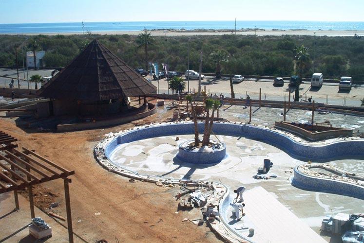 Julipool sl galeria piscinas 67 piscinas sevilla for Construccion de piscinas en sevilla