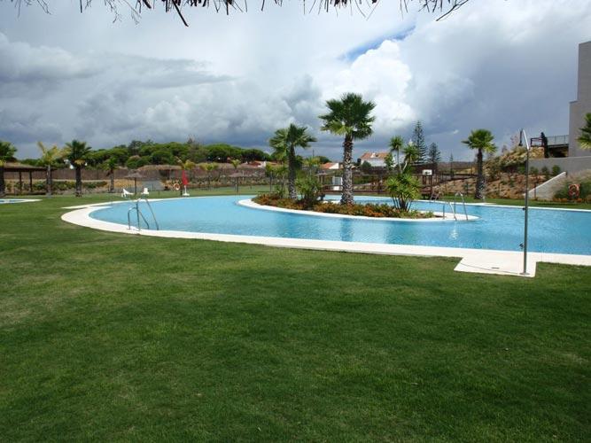 Julipool sl galeria piscinas 86 piscinas sevilla - Construccion de piscinas en sevilla ...